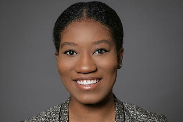 portrait of Taylor Davis, MBA '21