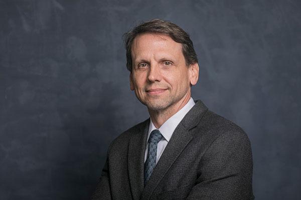 portrait of Bill Schmidt