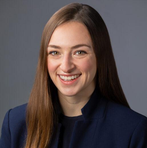 Elyse Cianfarano (MBA '22)